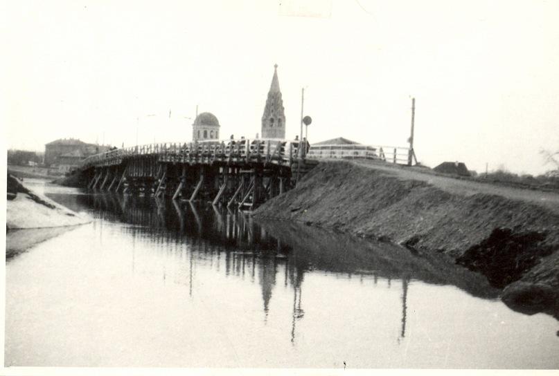 Деревянный мост через р. Кострому