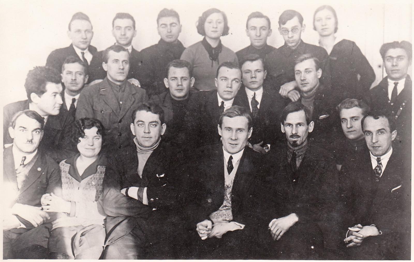Чернышёв В.Н. с группой конструкторов ЦАГИ. 1932 год