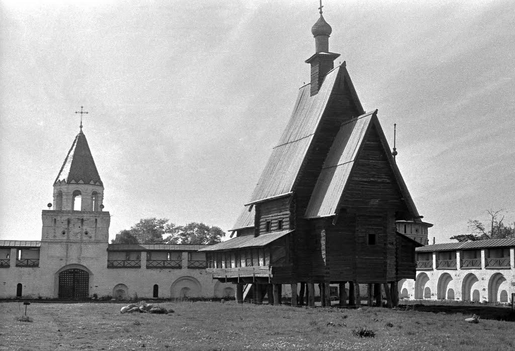 Церковь Преображения на территории Ипатьевского монастыря