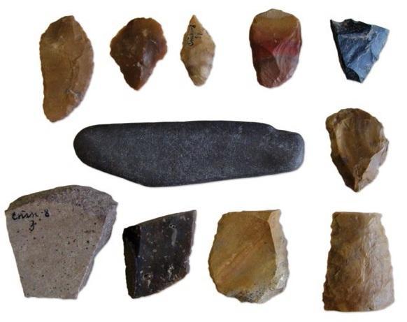 Обломки каменных орудий из раскопок В. И. Смирнова у поселения Станок в 1928 г.