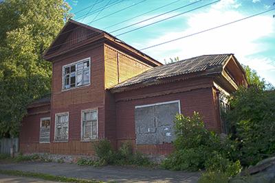 Бывшая церковно-приходская школа
